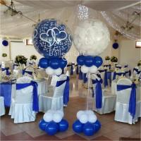 esküvői kék lufik